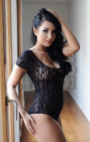 Nazima erotic massage in Huntersville