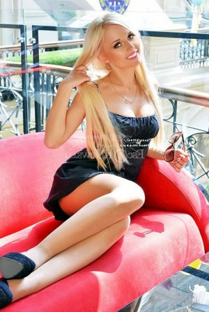 Hilma erotic massage